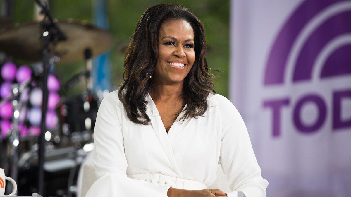 """Keuchen! Michelle Obama gibt zu, als Teenager in neuen Erinnerungen """"geraucht zu haben"""" und """"herumzuspielen"""""""